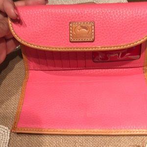 Dooney & Bourke Bags - Dooney & Bourne wallet